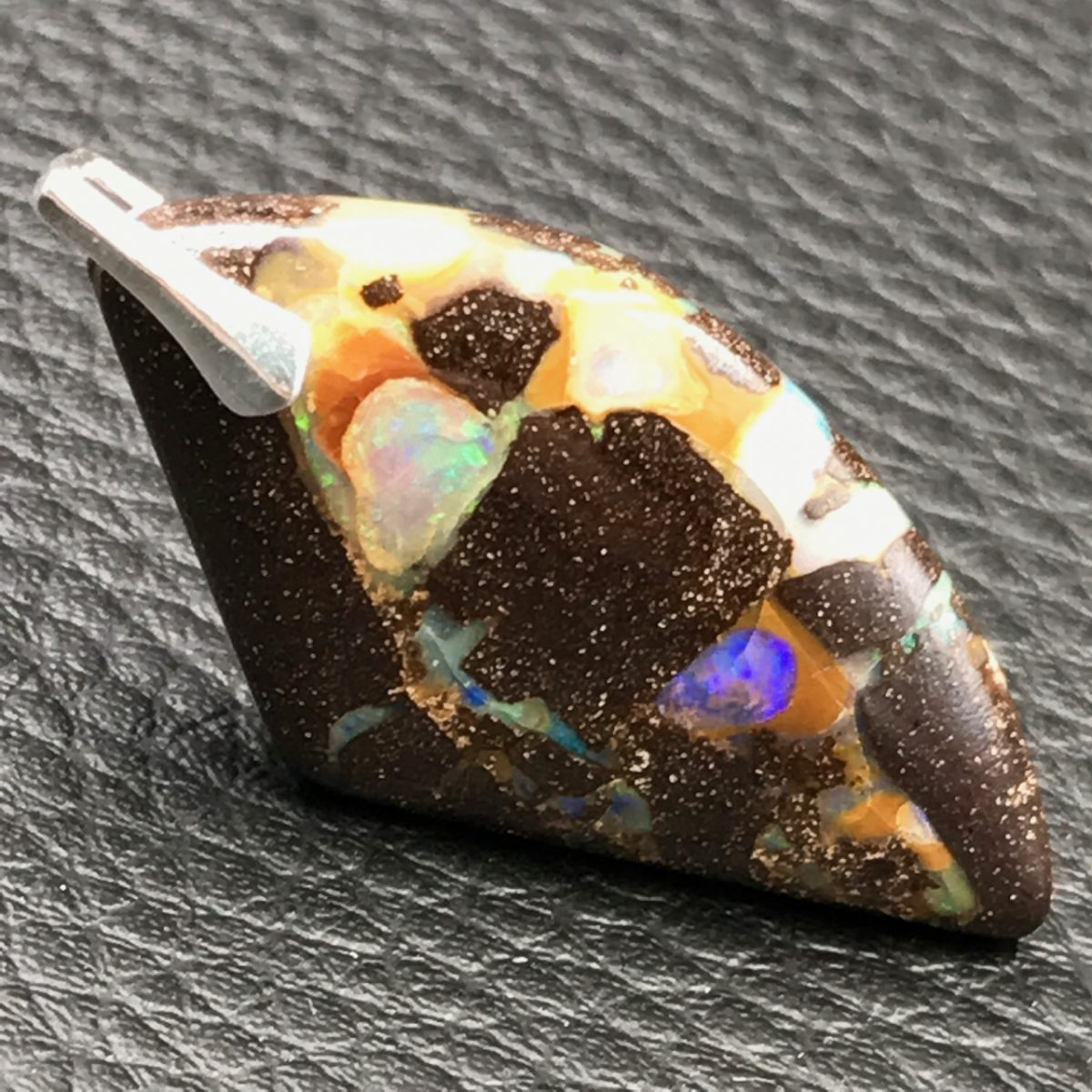 opale-boulder