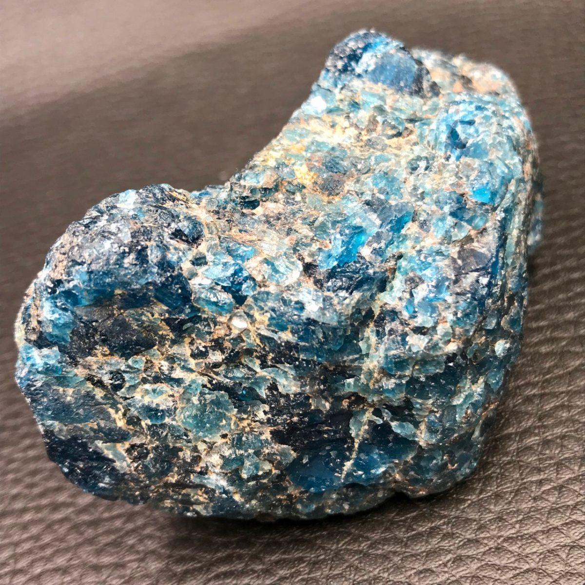 bloc-brute-apatite-bleue
