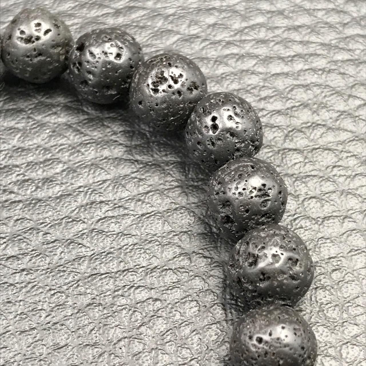 bracelet perles en pierre de lave de l 39 le de la r union coeur de pierres. Black Bedroom Furniture Sets. Home Design Ideas