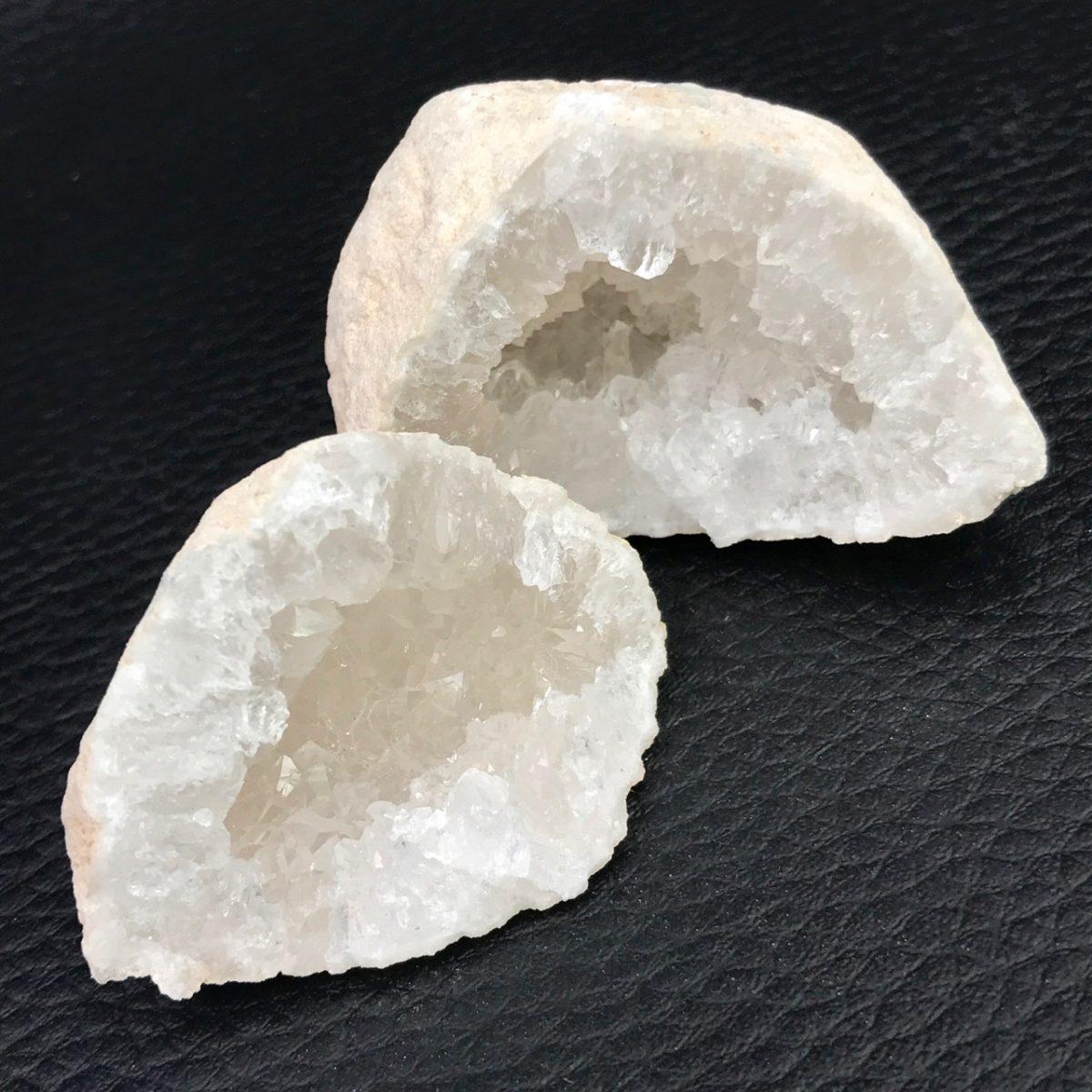 géode-cristal-roche